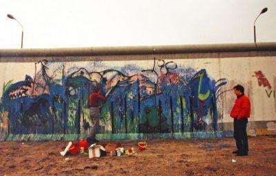Mauermalerei am Potsdamer Platz von Osten, Nov - Dezember 1989, ca 360 x 1000 cm, Foto Lynne Herbert