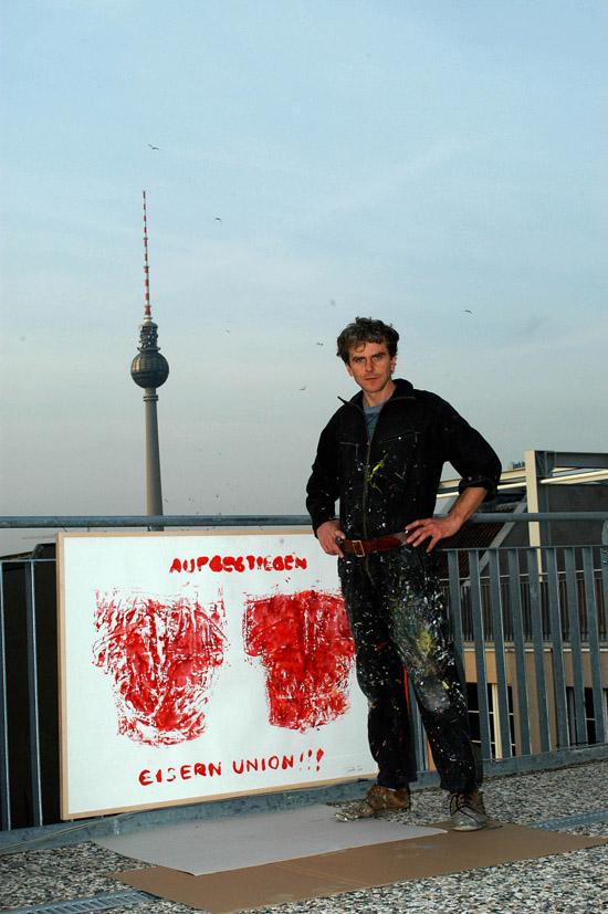 Vor dem Berliner Atelier, 2001