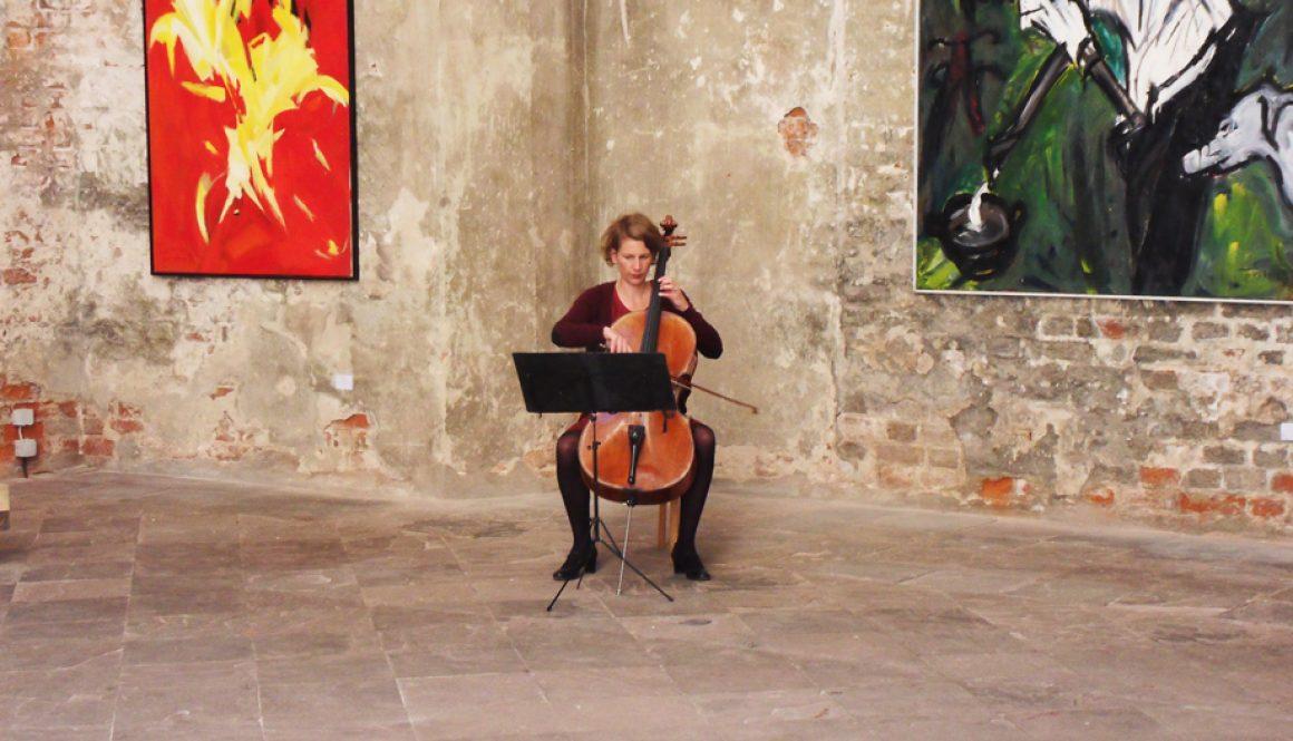 Ausstellung in der Marienkirche Stralsund, 2012, im Bild maria Magdalena Wiesmeyer