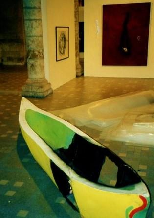 """Torsten Schlüter, """"Tulipamwe- Bootschaft"""", 1998, 60x60x420cm, Blois (Frankreich)"""